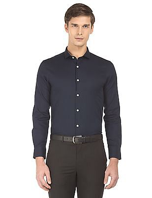USPA Tailored Cutaway Collar Slim Fit Shirt