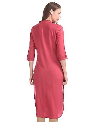 Karigari Notched Neck Embroidered Panel Kurta
