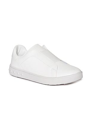 Stride Low Top Solid Slip On Shoes
