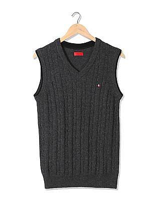 Izod V-Neck Patterned Knit Sweater Vest