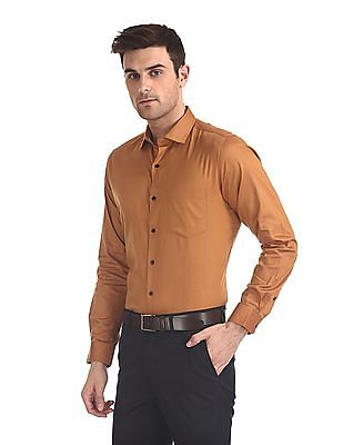 Excalibur Solid Classic Regular Fit Shirt