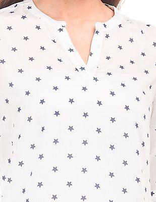 U.S. Polo Assn. Women Notched Neck Star Print Top
