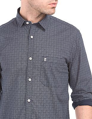 Izod Printed Slim Fit Shirt